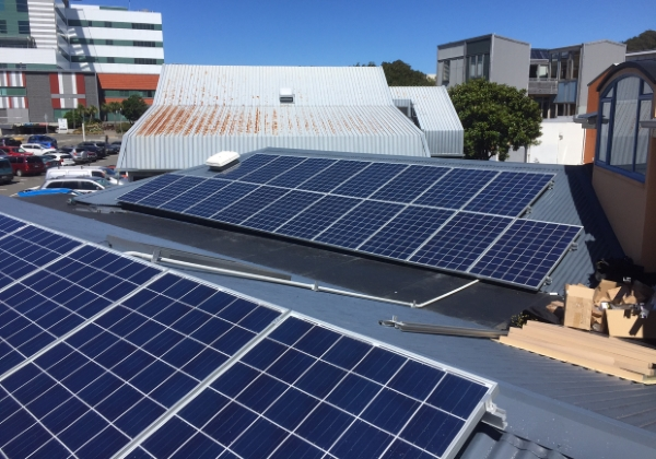 Margaret Stewart House - Cancer Society - Solar installation