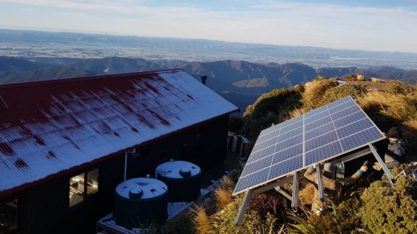 Powell_Hut_Off_Grid_Solar